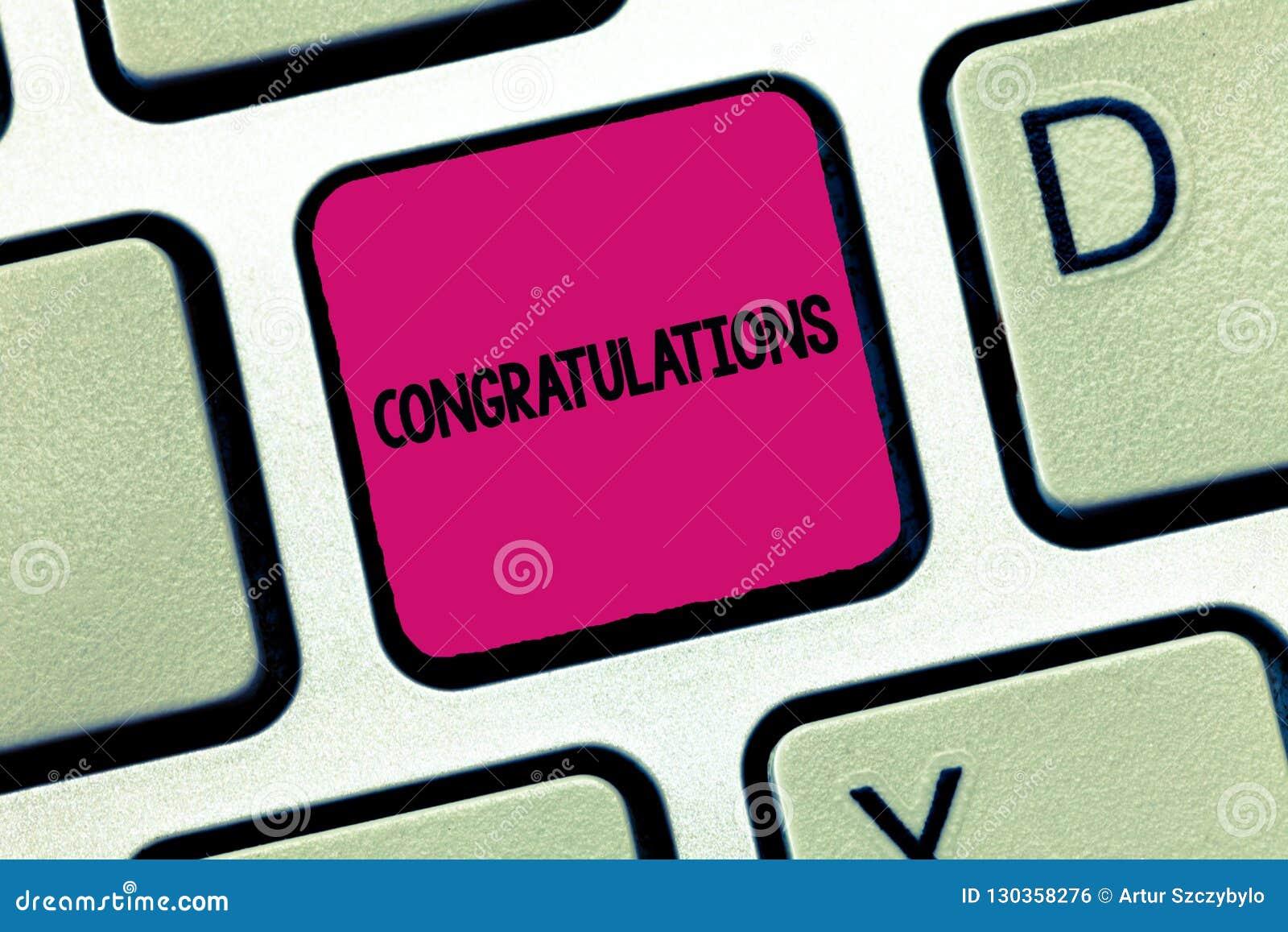 Σημάδι κειμένων που παρουσιάζει συγχαρητήρια Εννοιολογική φωτογραφία που εκφράζει τον έπαινο για ένα επίτευγμα κάποιου καλές επιθ