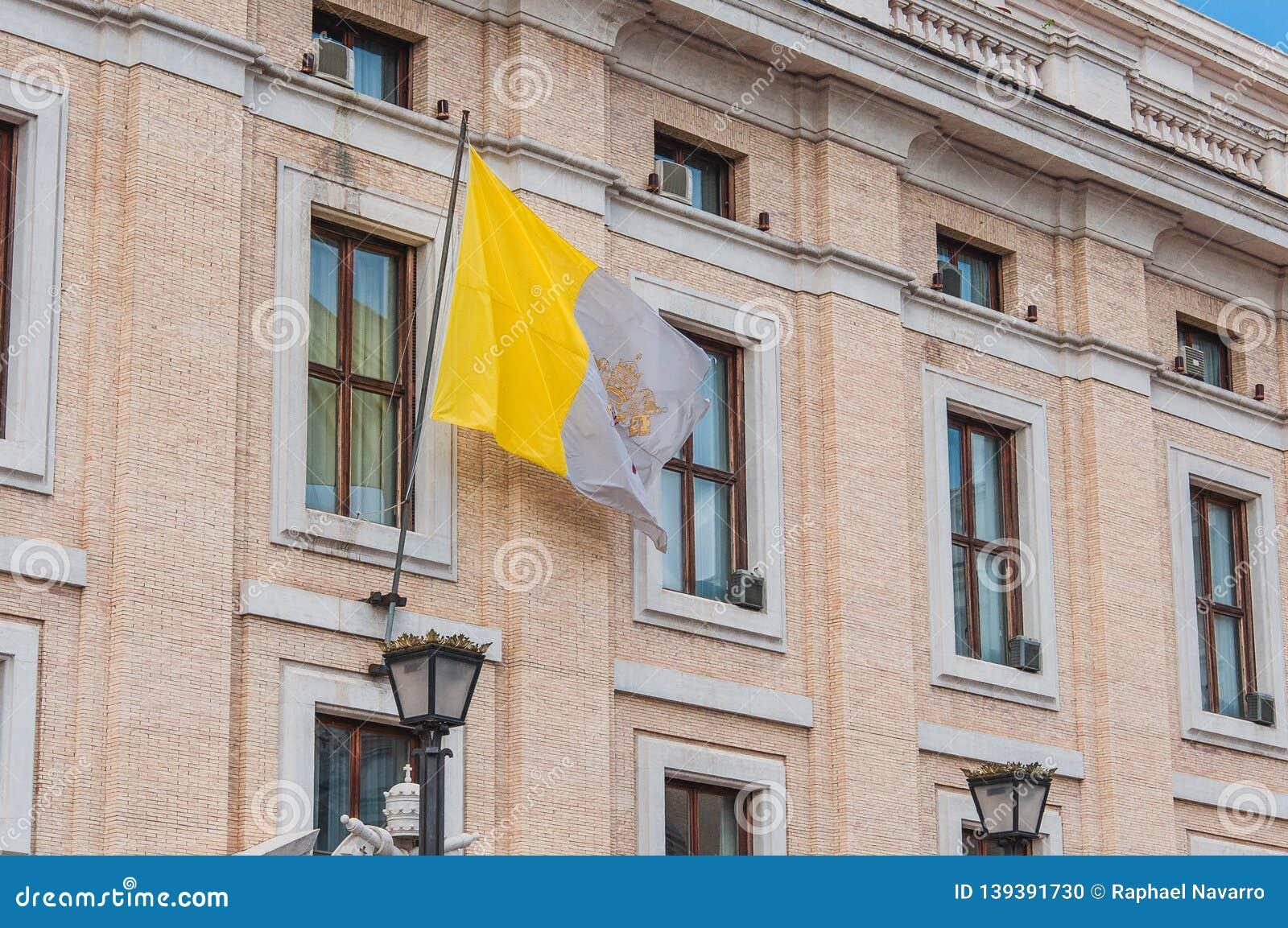 Σημαία στην πλατεία Αγίου Peter στη Ρώμη, Ιταλία