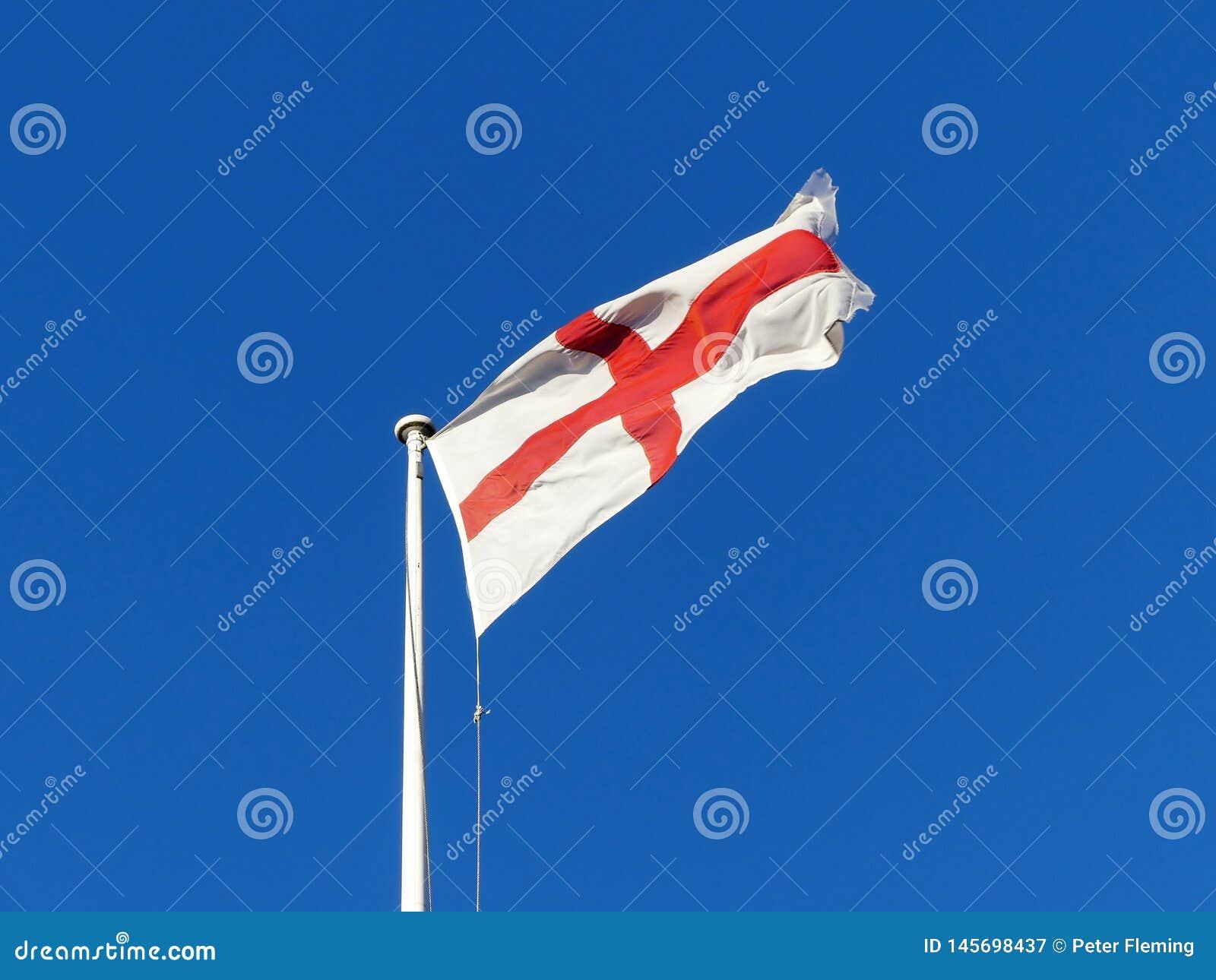Σημαία της Αγγλίας που πετά από το κοντάρι σημαίας