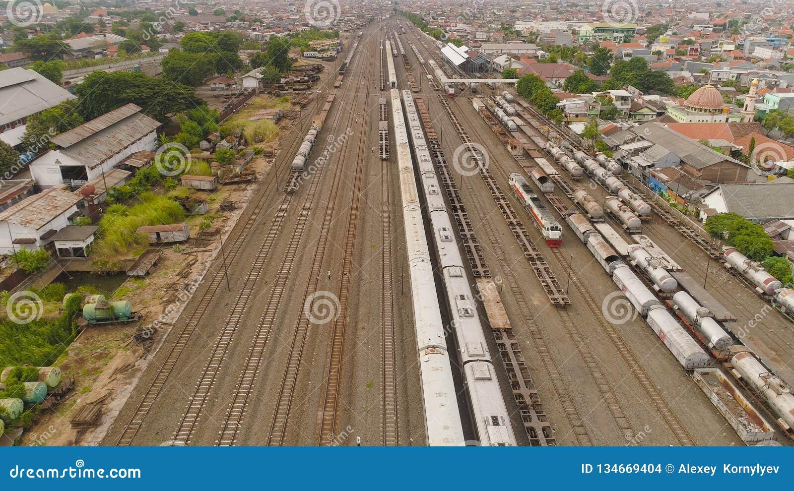 Σιδηροδρομικός σταθμός στο Surabaya Ινδονησία