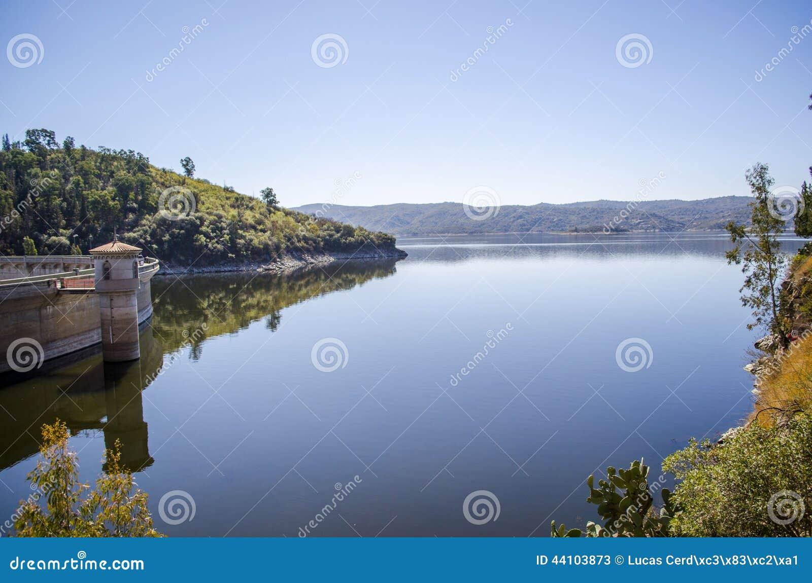 σιωπή θέσεων φύσης τοπίων λιμνών ψαράδων ομορφιάς
