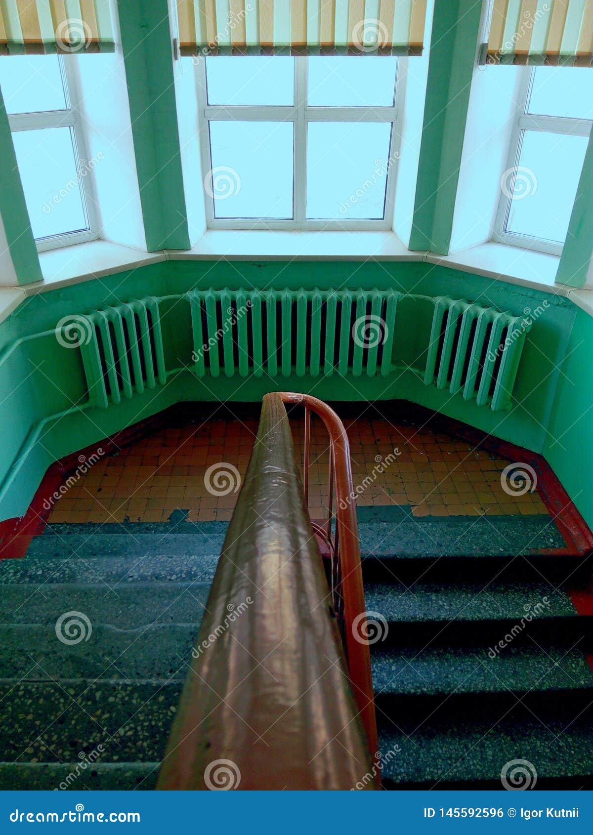 Σκάλα ενός παλαιού ορφανοτροφείου