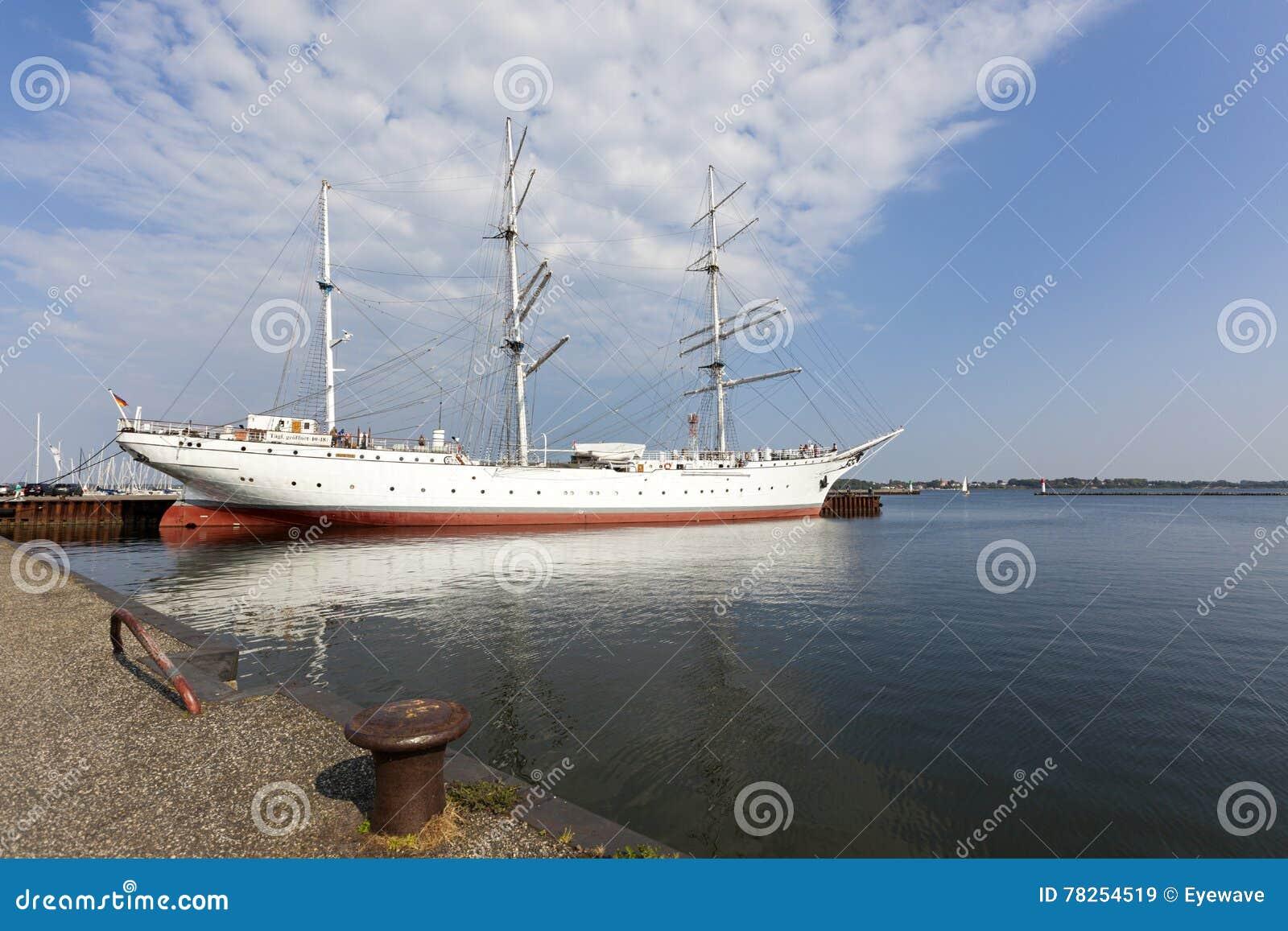 Σκάφος Gorch Fock μουσείων στο λιμάνι Stralsund