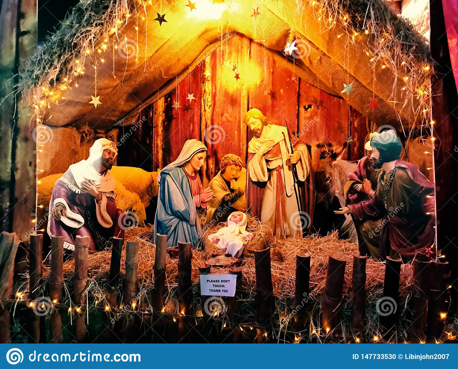 Σκηνή nativity Χριστουγέννων με το μωρό