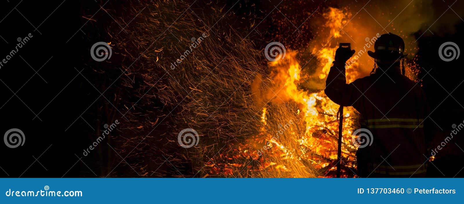 Σκιαγραφία πυροσβεστών