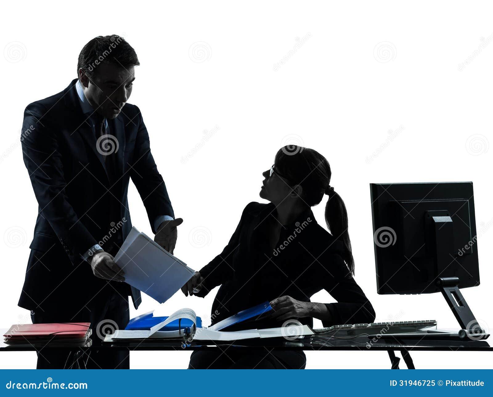 Σκιαγραφία σύγκρουσης διαφωνίας ζευγών ανδρών επιχειρησιακών γυναικών