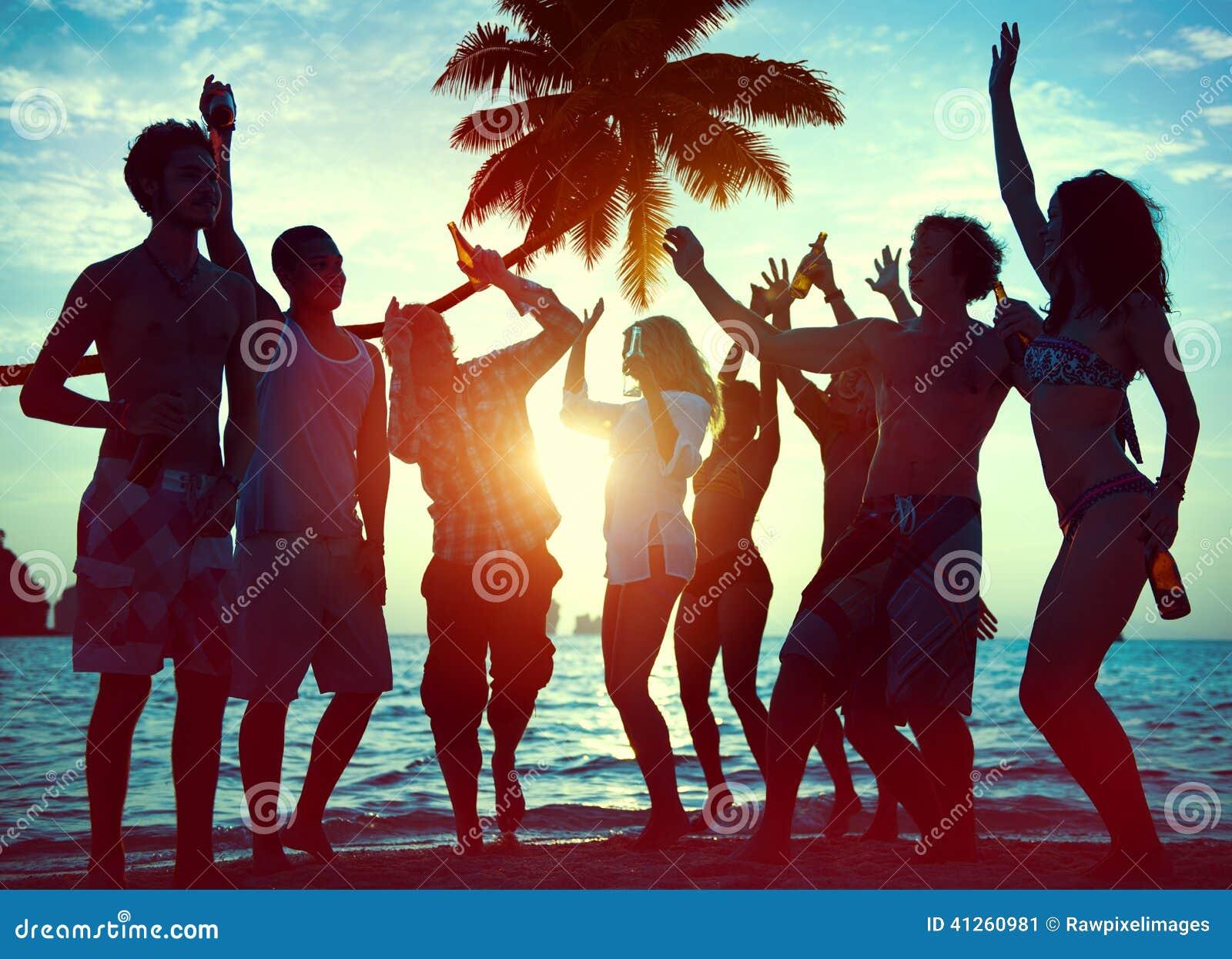 Σκιαγραφίες των διαφορετικών ανθρώπων Partying Multiethnic