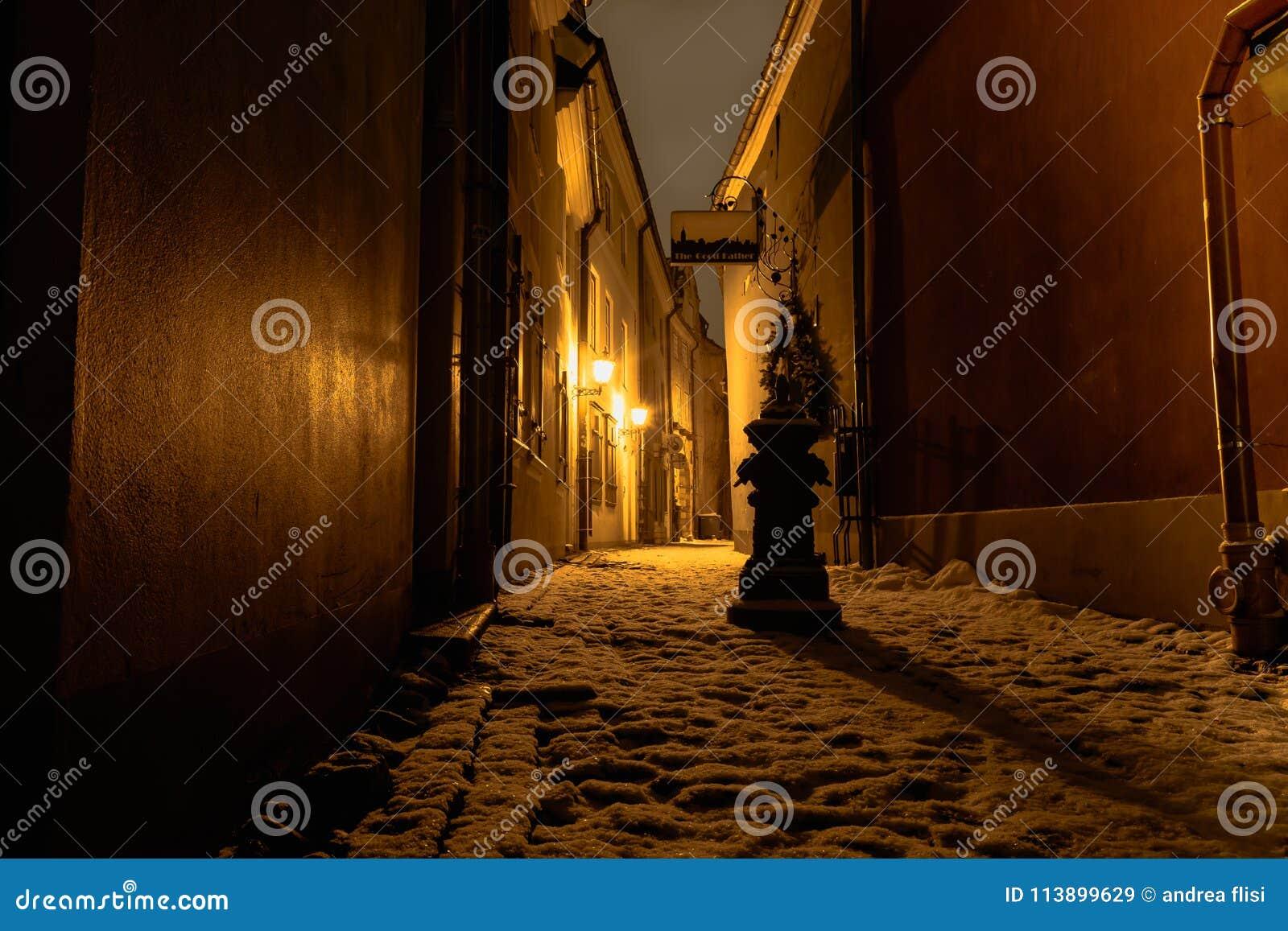 Σκοτεινή οδός στη Ρήγα - τη Λετονία