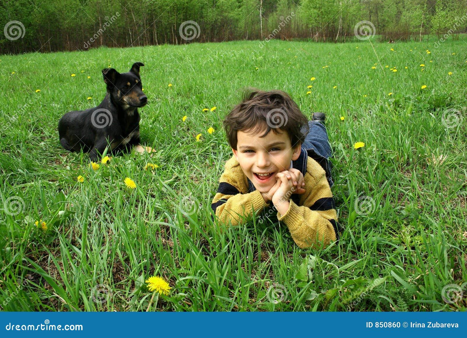 σκυλί αγοριών