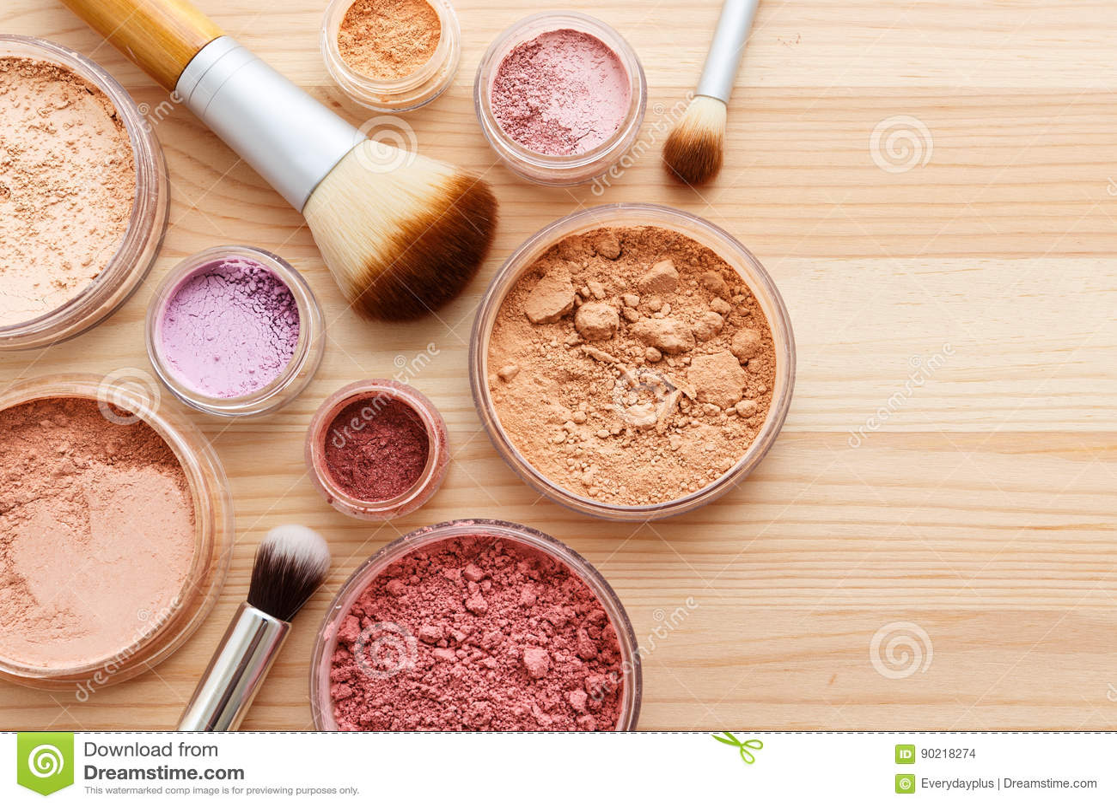 Σκόνη Makeup με το υπόβαθρο βουρτσών