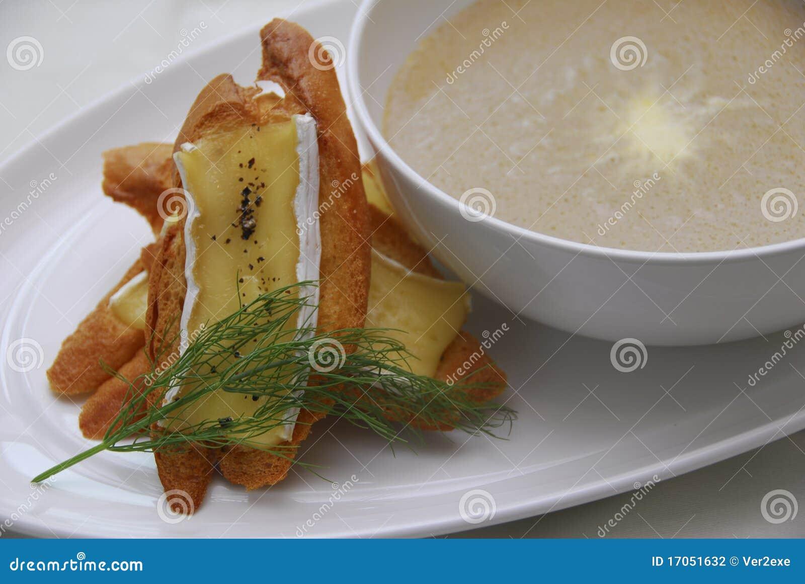 σούπα μανιταριών ψωμιού