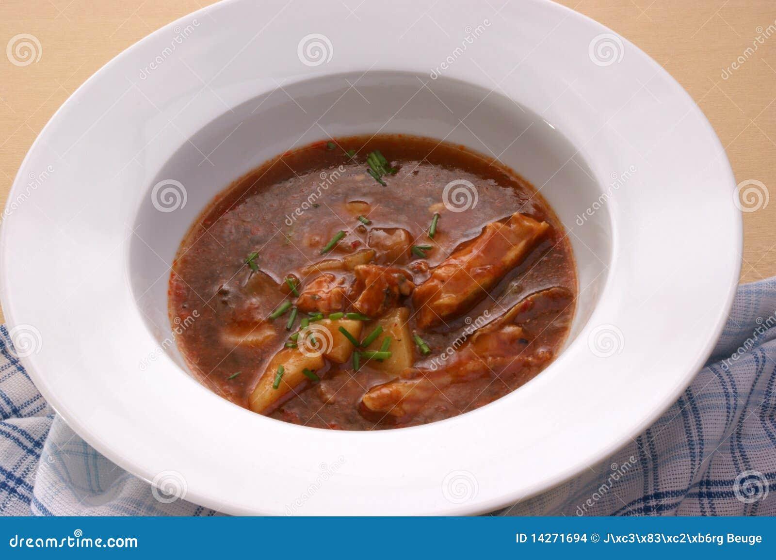 σούπα πατατών κρέατος κύπε&la