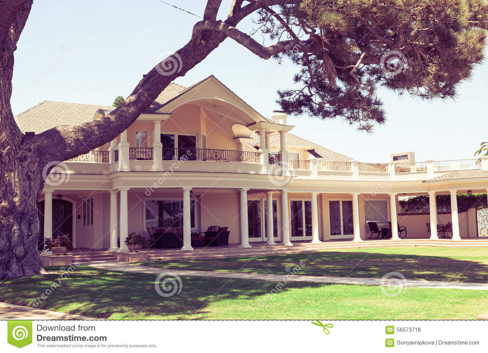Download Σπίτι Hacienda - Coronado, Σαν Ντιέγκο ΗΠΑ Στοκ Εικόνες - εικόνα από πολυτέλεια, είσοδος: 56573718