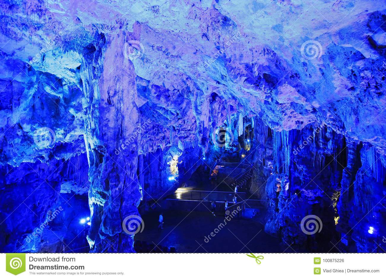 Σπηλιά του ST Michael ` s που φωτίζεται Ευρώπη, Γιβραλτάρ,