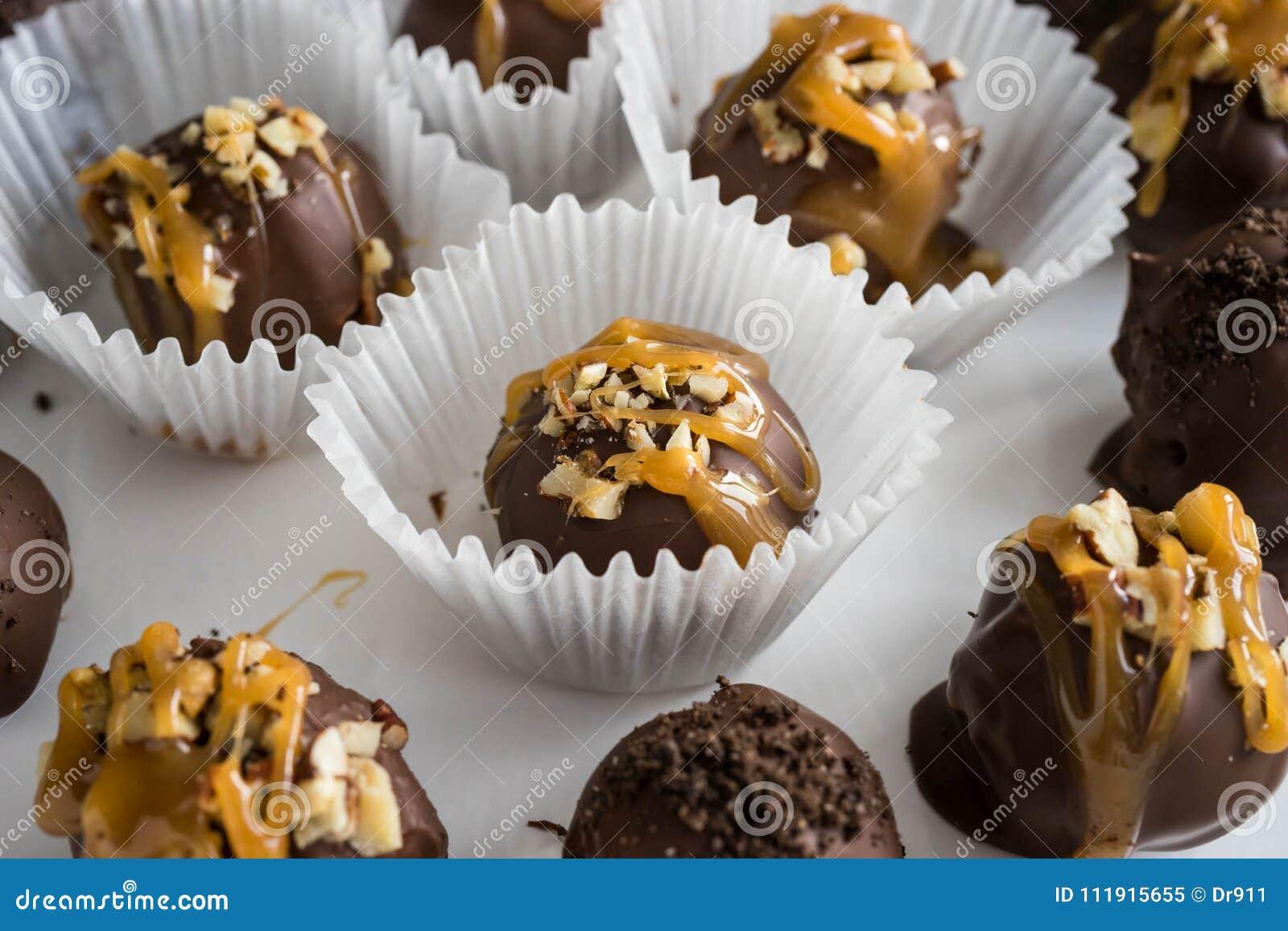 Σπιτικές υγιείς τρούφες σοκολάτας