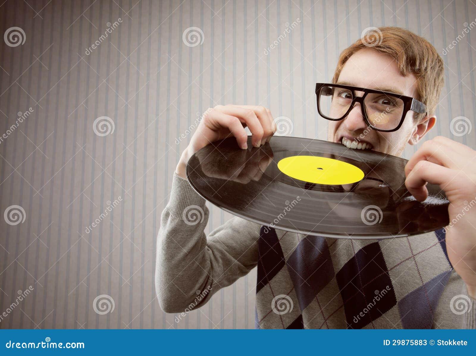 Σπουδαστής 0, δαγκώνοντας ένα βινυλίου αρχείο