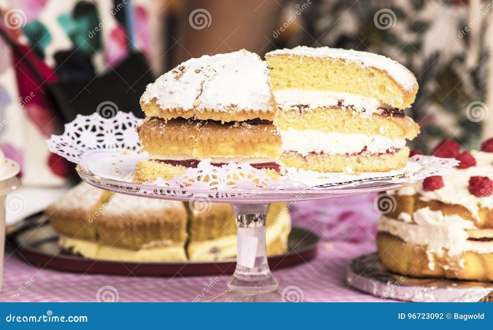 Στάβλος θερινών δίκαιος κέικ
