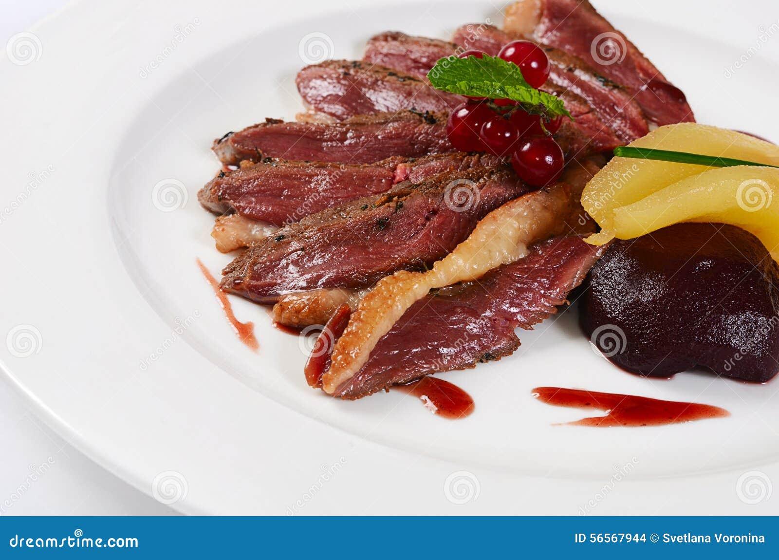 Download Στήθος παπιών στη σάλτσα κρασιού Στοκ Εικόνες - εικόνα από πετρέλαιο, grilled: 56567944