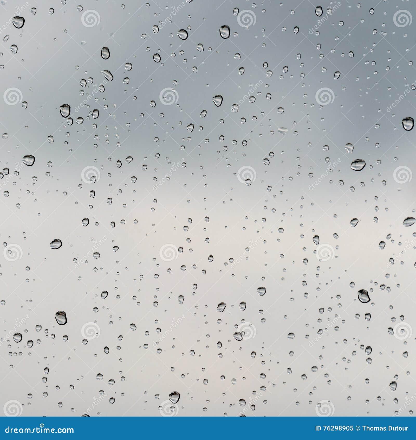 σταγόνες βροχής γυαλιο