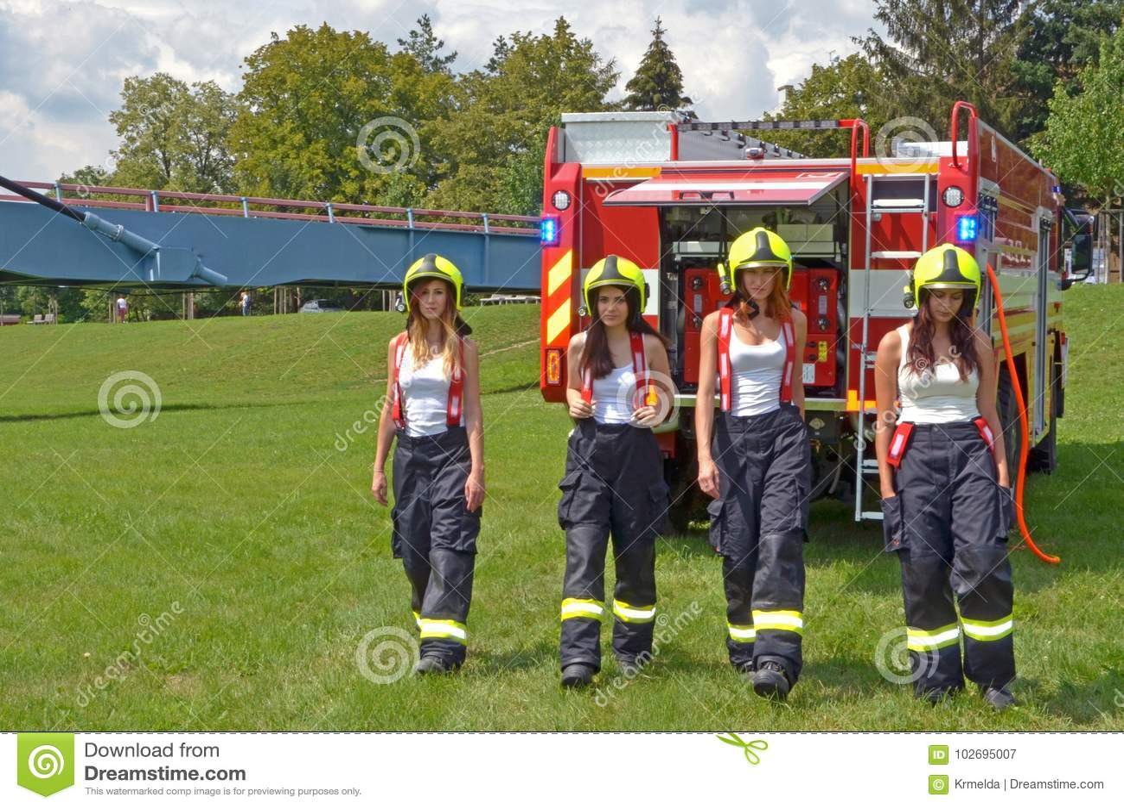 Σταδιοδρομία ως γυναίκα πυρκαγιάς