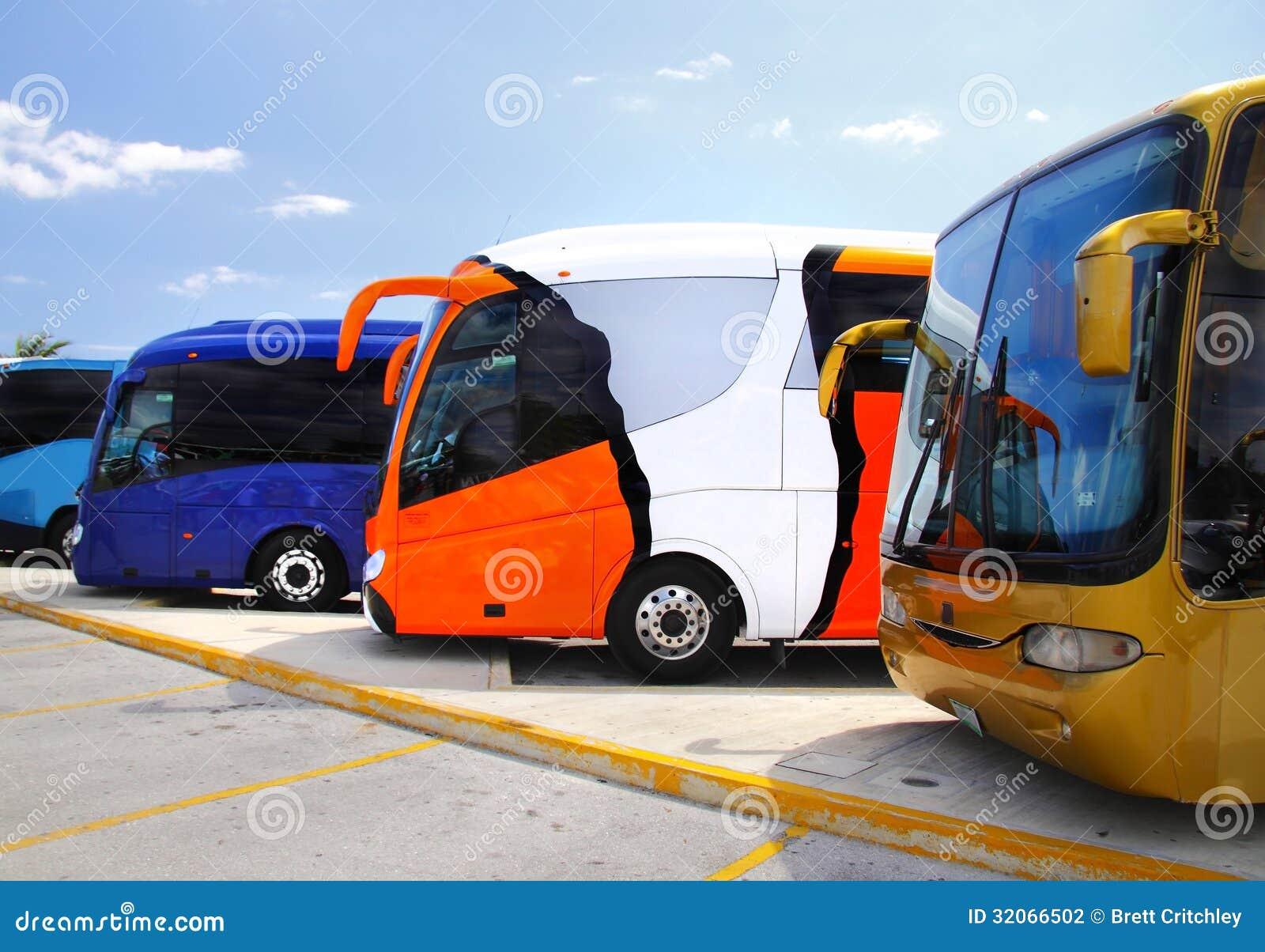 Σταθμευμένα λεωφορεία