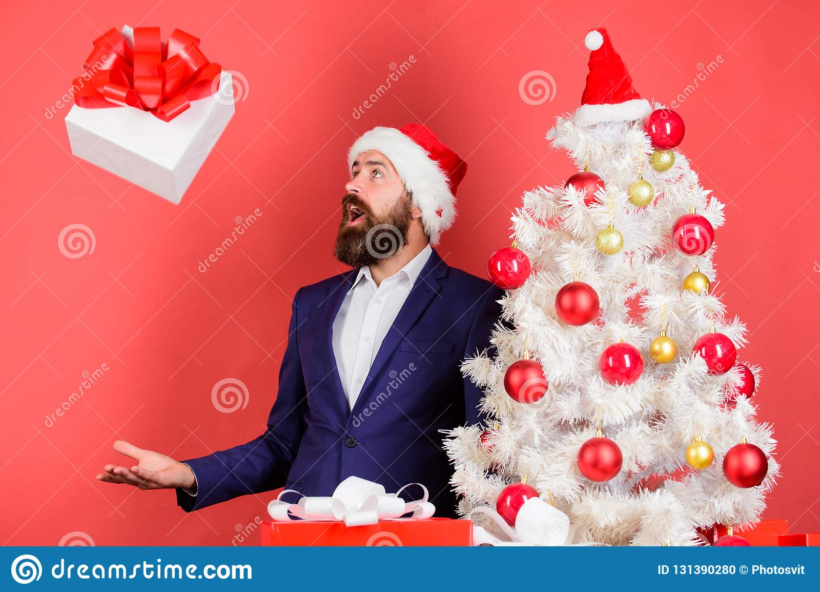 Στείλετε ή λάβετε το χριστουγεννιάτικο δώρο Επίσημο κοστούμι hipster ατόμων το γενειοφόρο ευτυχές γιορτάζει τα Χριστούγεννα Γρήγο