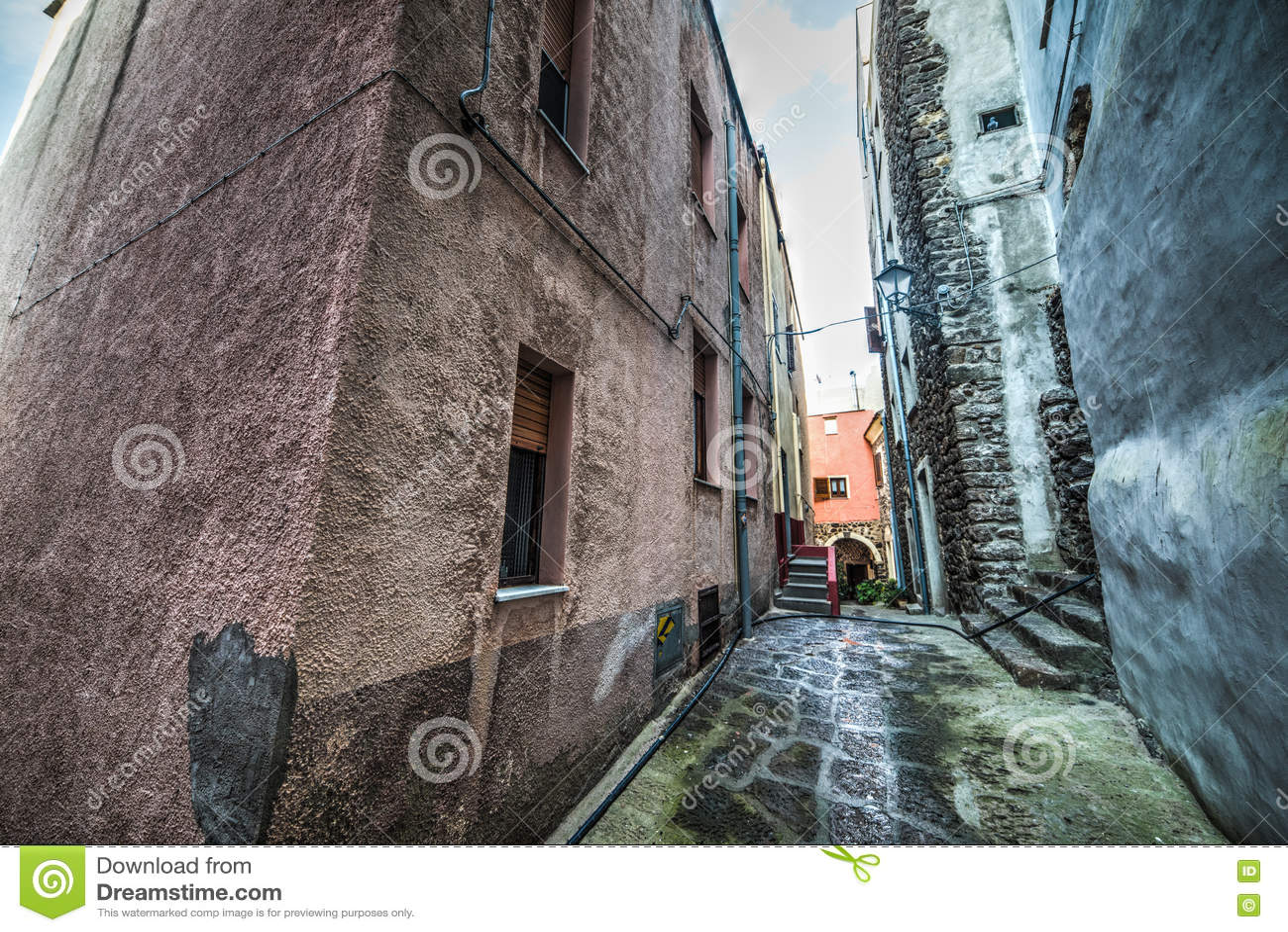 Στενή αλέα στην παλαιά πόλη Castelsardo