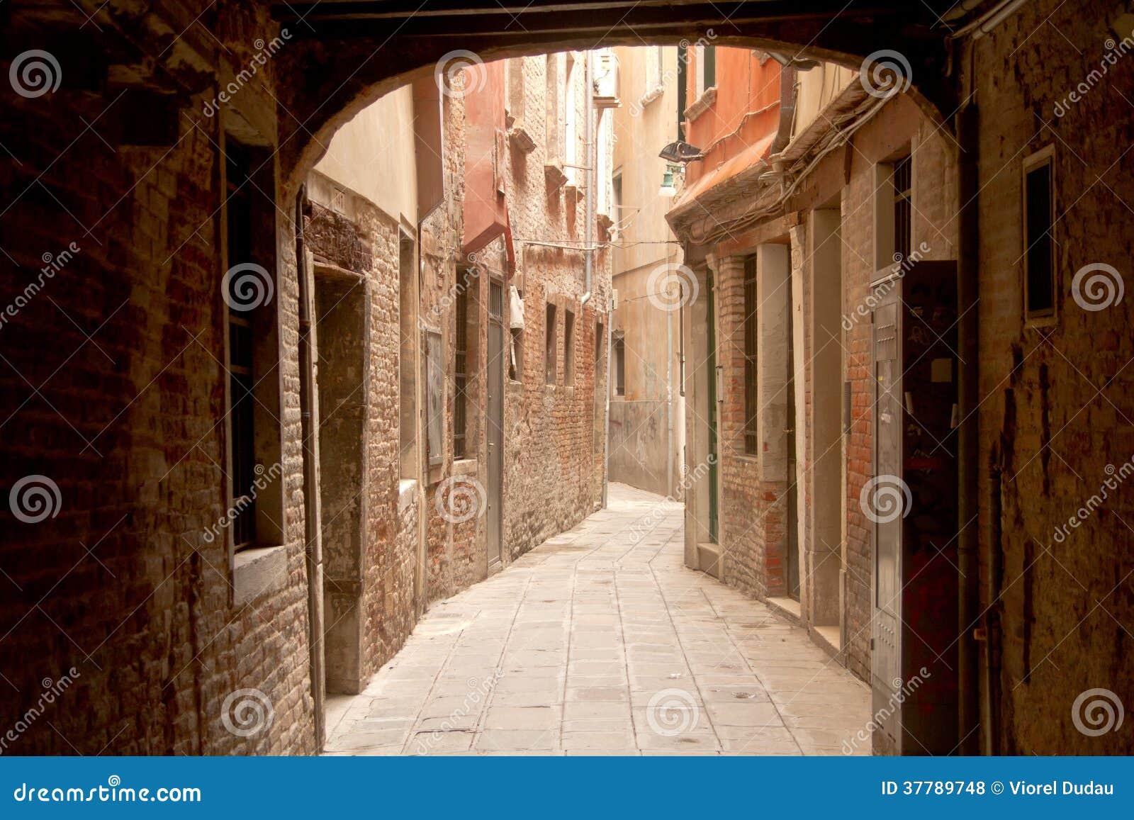 Στενή οδός στη Βενετία