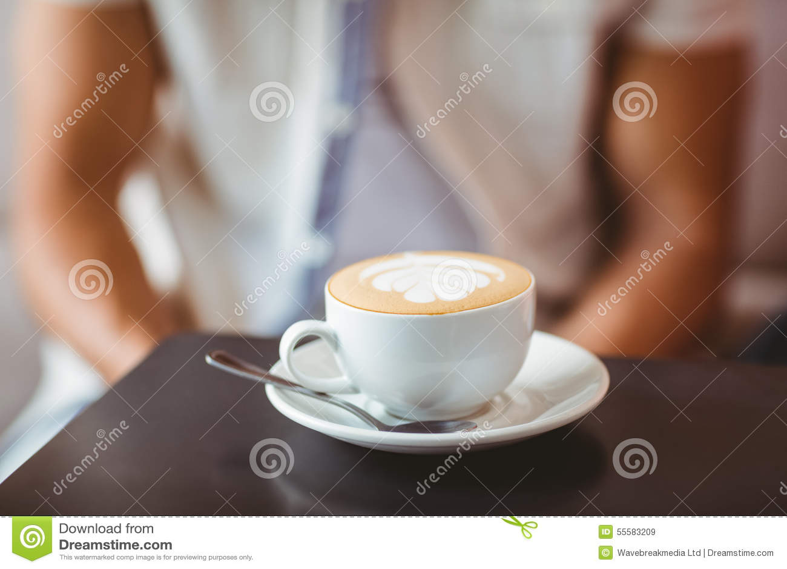 στενό φλυτζάνι καφέ επάνω