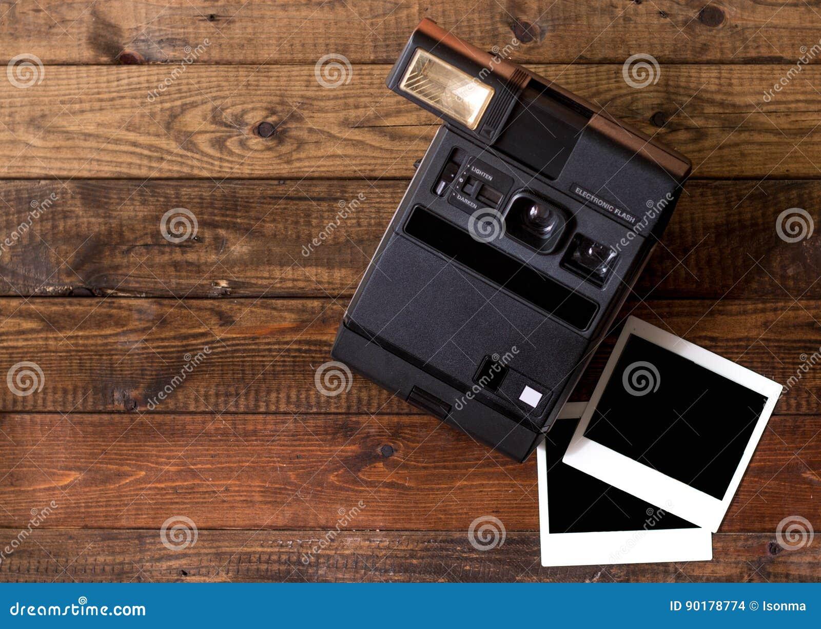 Στιγμιαία φωτογραφική μηχανή