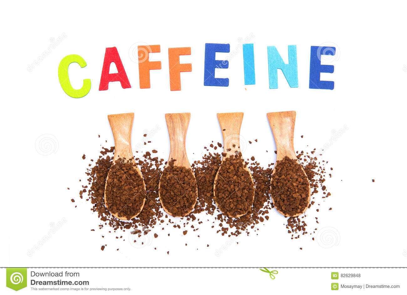 Στιγμιαίος καφές στο ξύλινο κουτάλι με την καφεΐνη λέξης