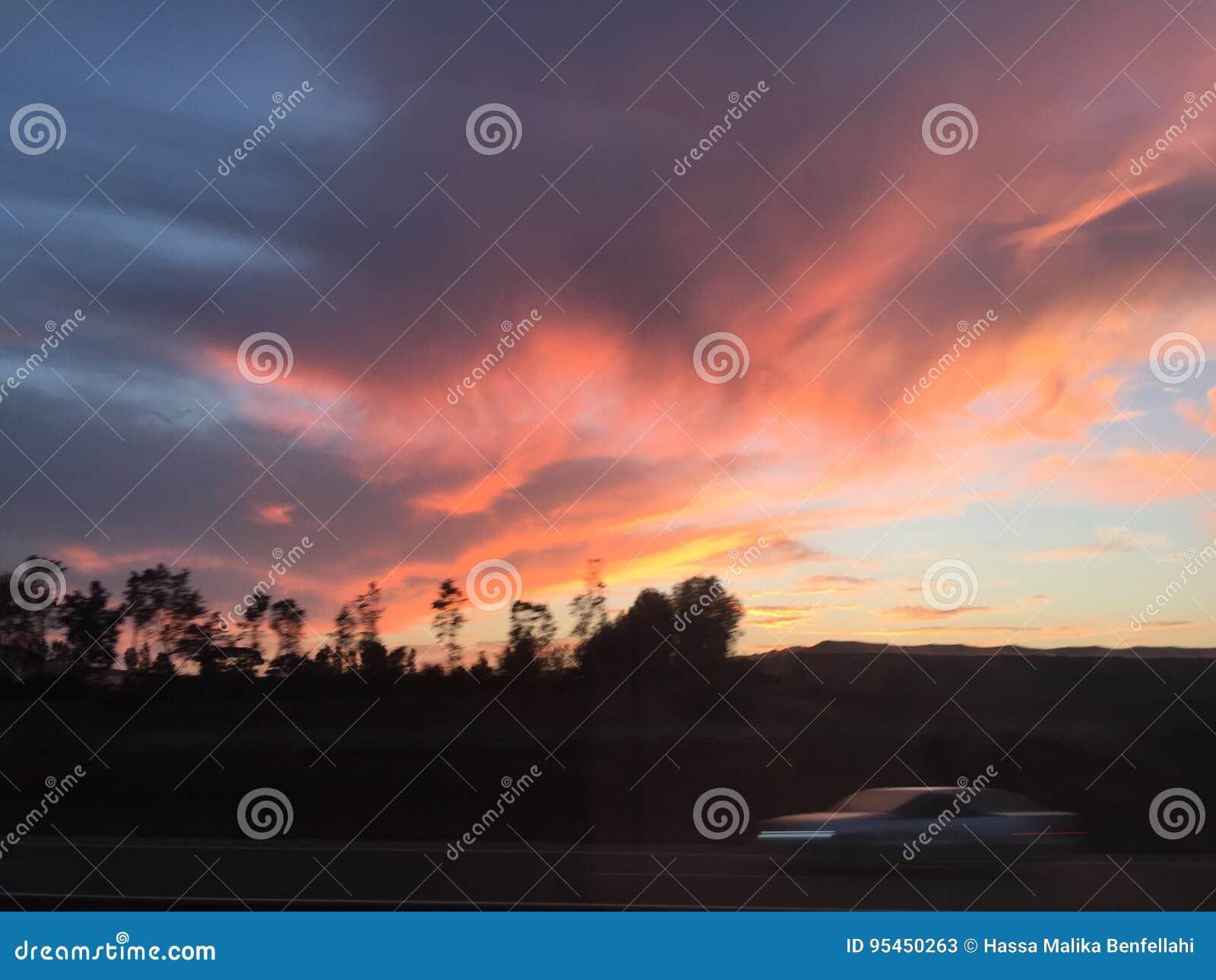 Στιγμιότυπο μιας στιγμής ηλιοβασιλέματος