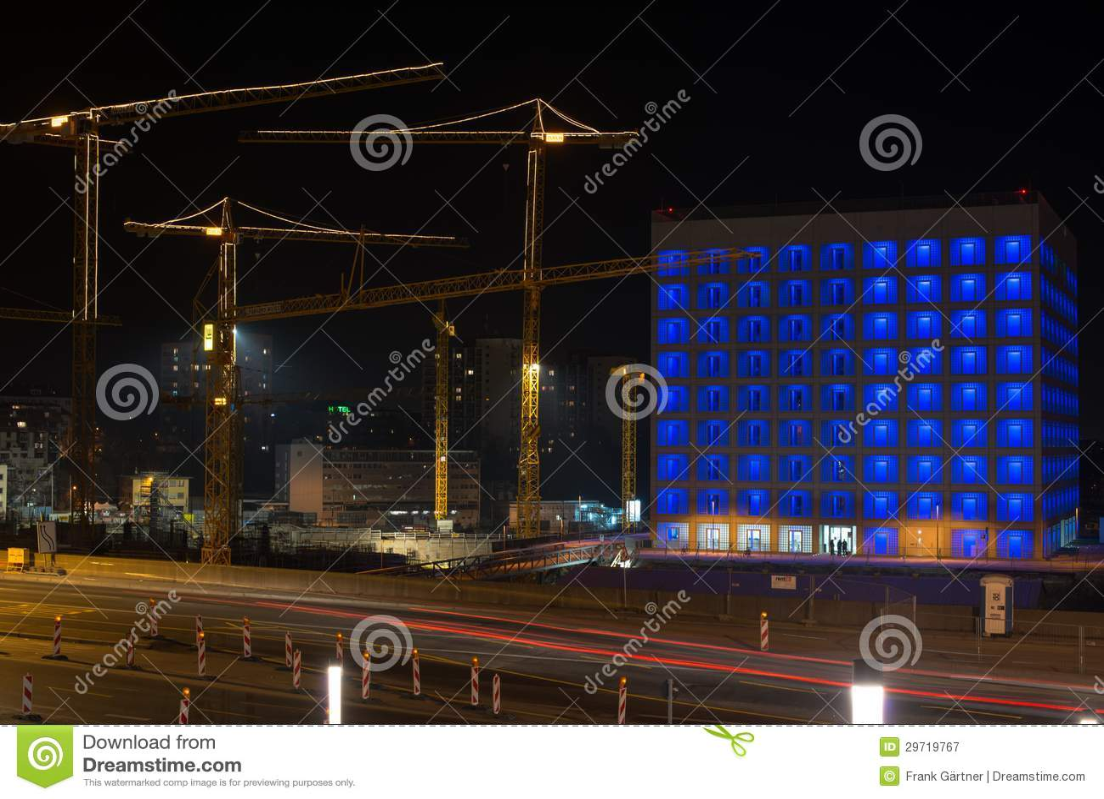 Εργοτάξιο οικοδομής της Στουτγάρδης 21 τη νύχτα
