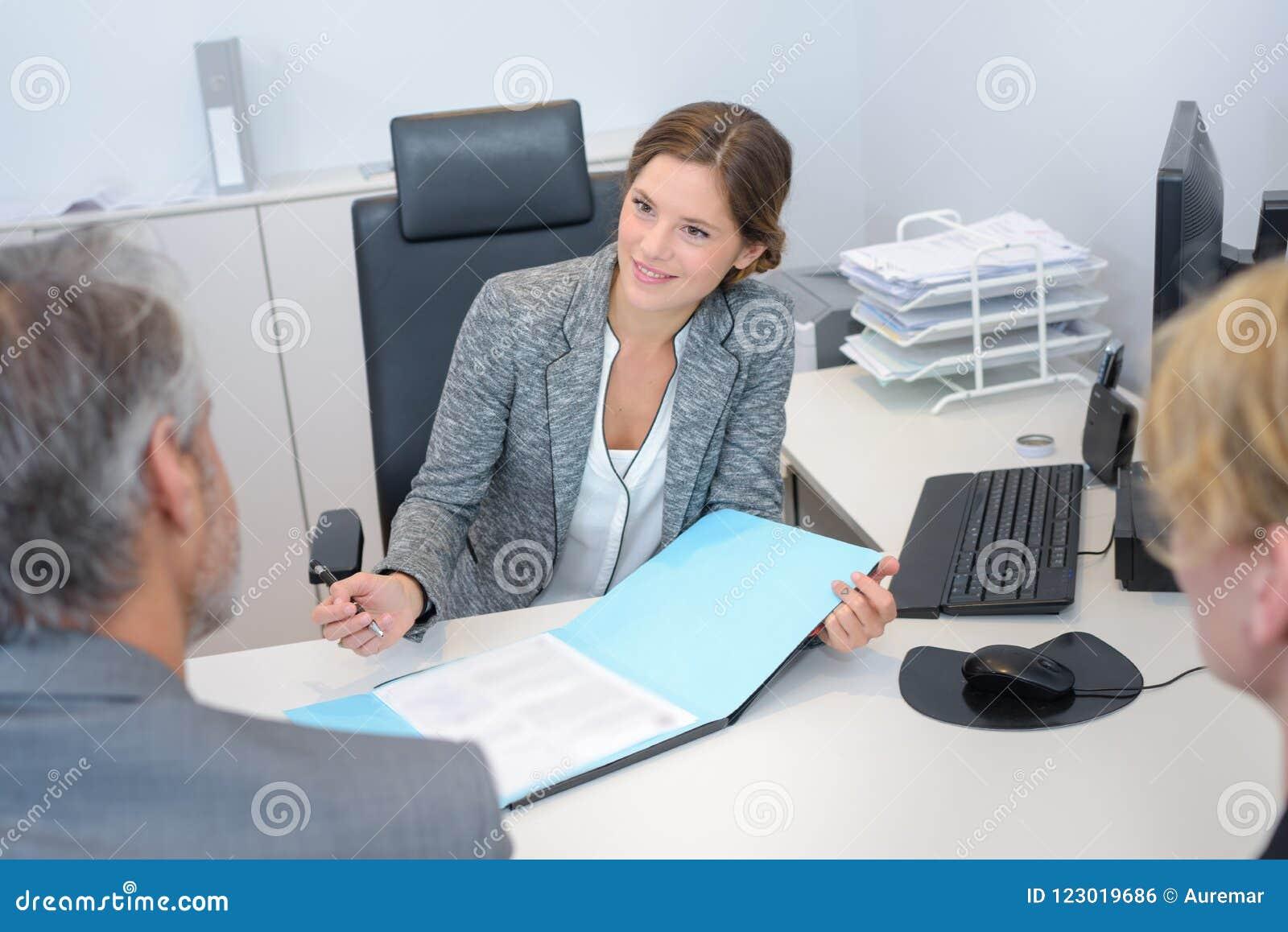 Συνάντηση με τον τραπεζίτη