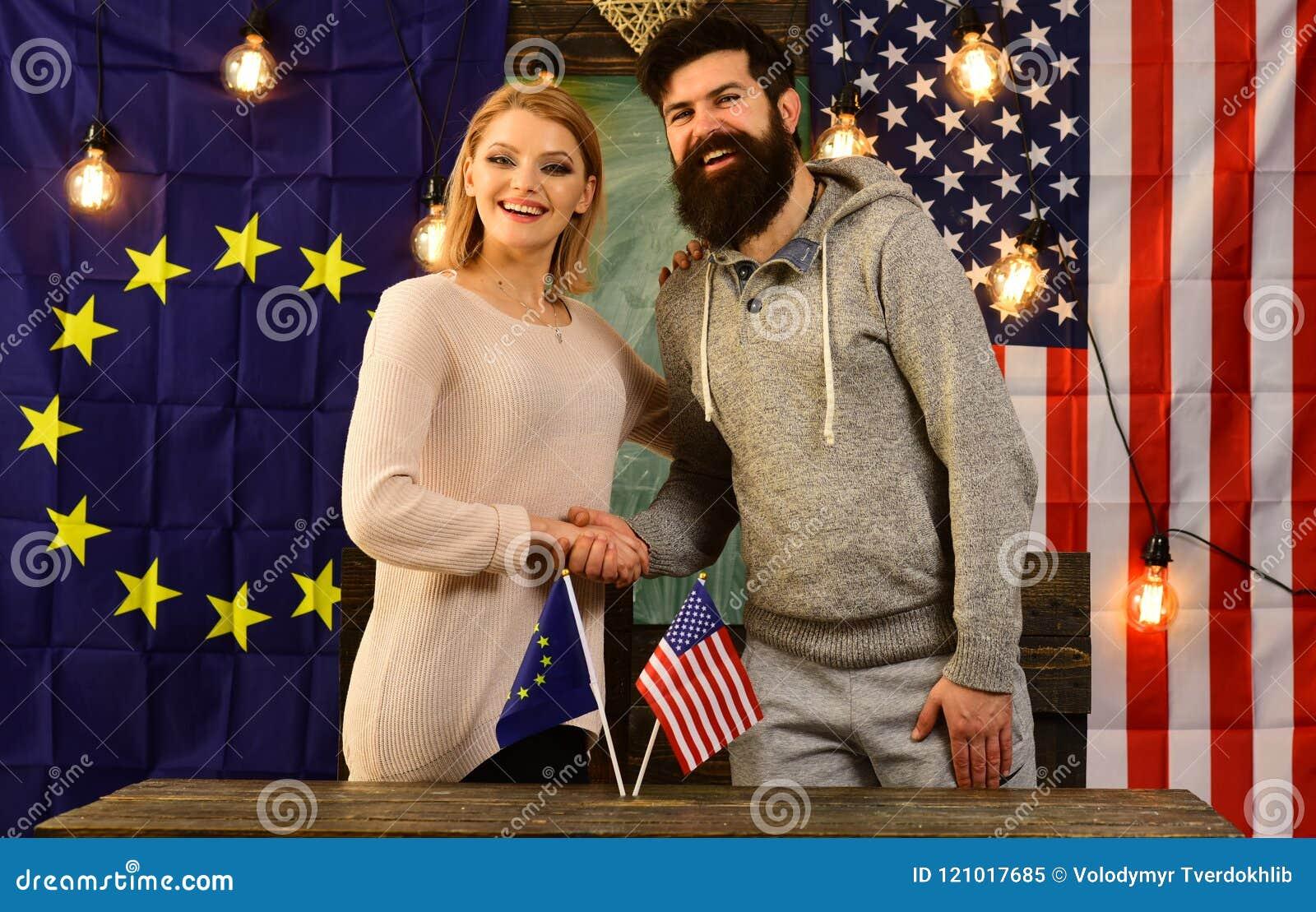 Συνεργασία μεταξύ των σημαιών της Ευρωπαϊκής Ένωσης και των ΗΠΑ Πολιτική έννοια σχέσης
