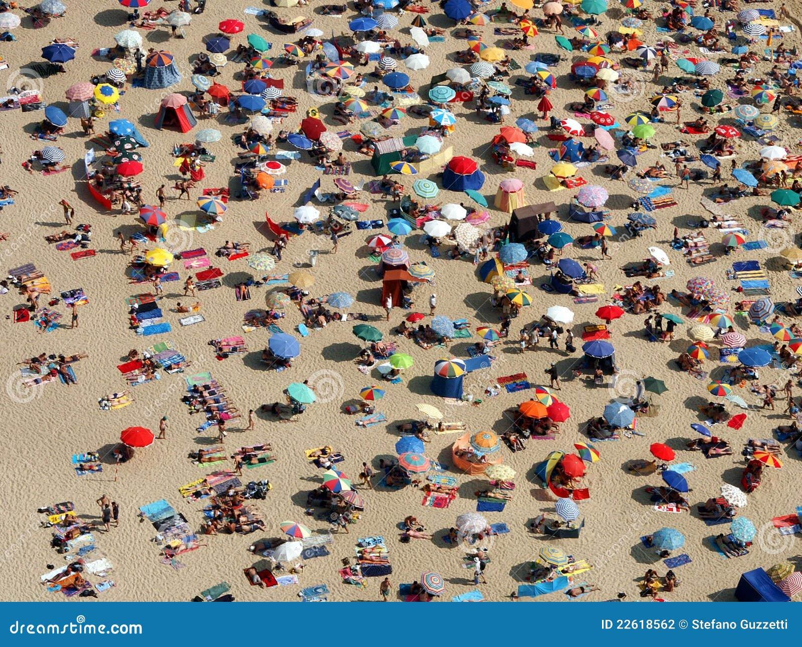 συσσωρευμένες παραλία &om
