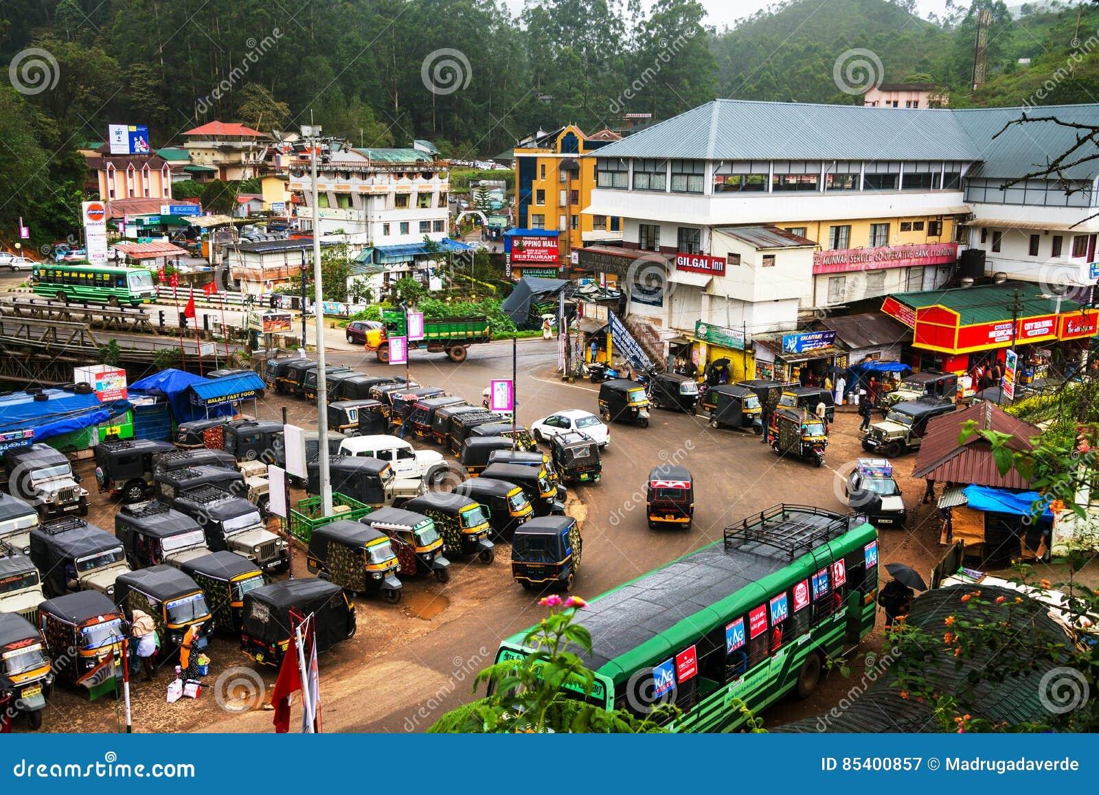 Συσσωρευμένη σύνδεση στο ορεινό χωριό Munnar που βρίσκεται στο Κεράλα