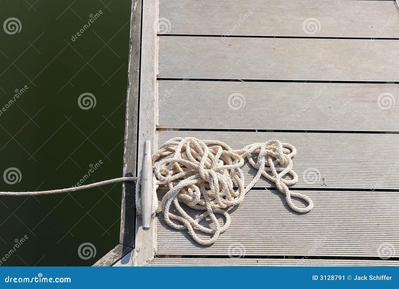 Σχοινί στην αποβάθρα