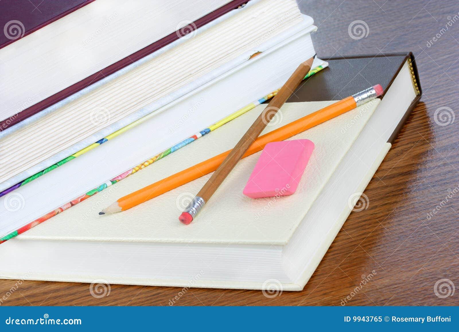 σχολείο μολυβιών βιβλί&omega