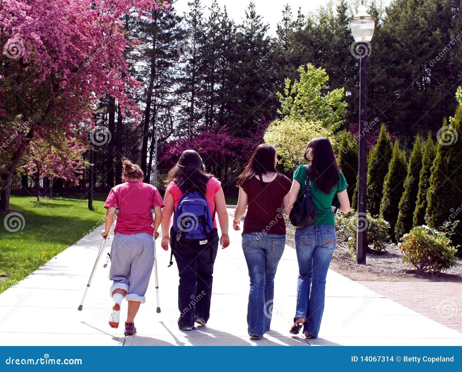 σχολείο στο περπάτημα