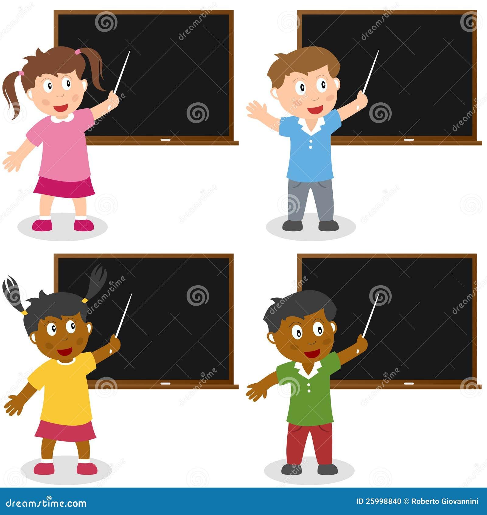 Σχολικά κατσίκια με τον πίνακα
