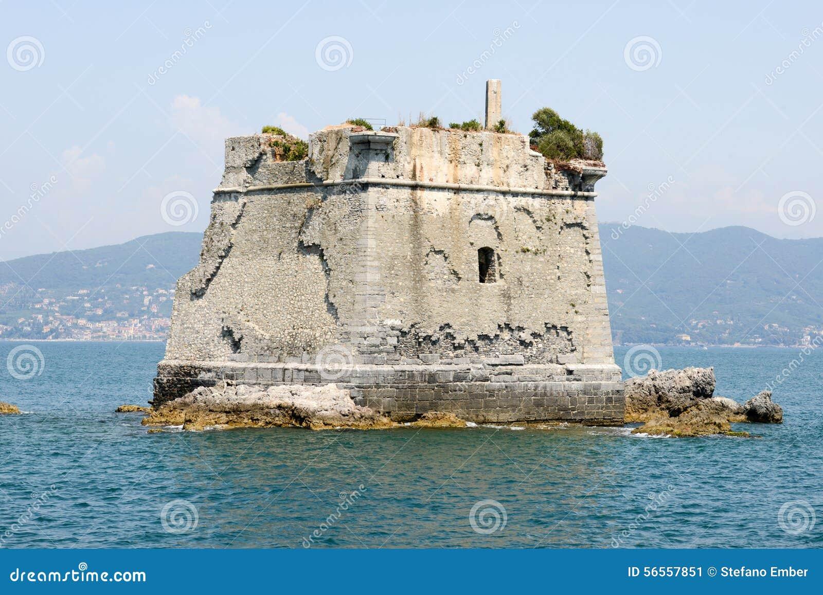 Download Σχολικός πύργος στο νησί Palmaria κοντά σε Portovenere Εκδοτική Εικόνες - εικόνα από σχολείο, ιταλία: 56557851