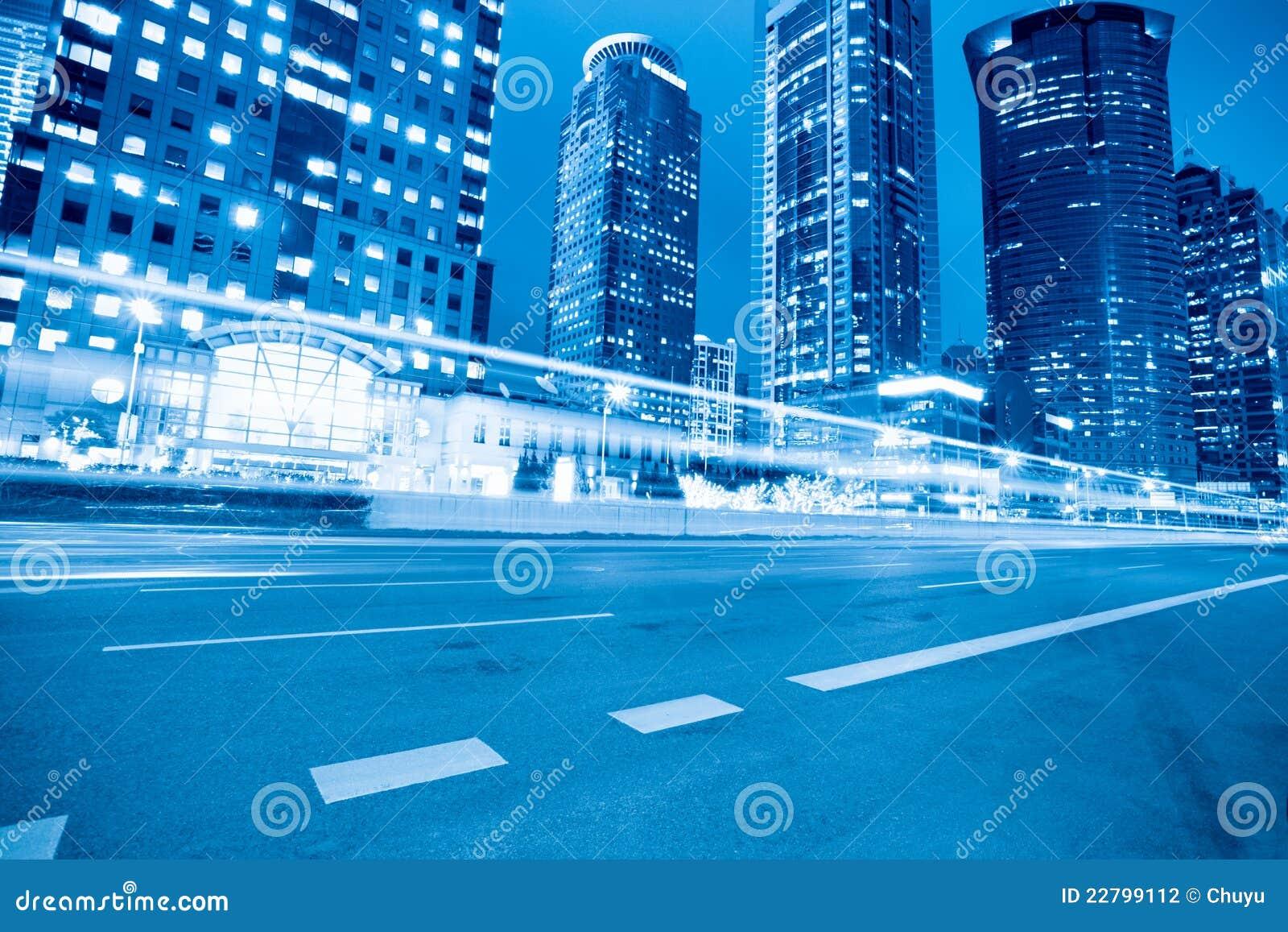 σύγχρονη οδός της Σαγγάης νύχτας
