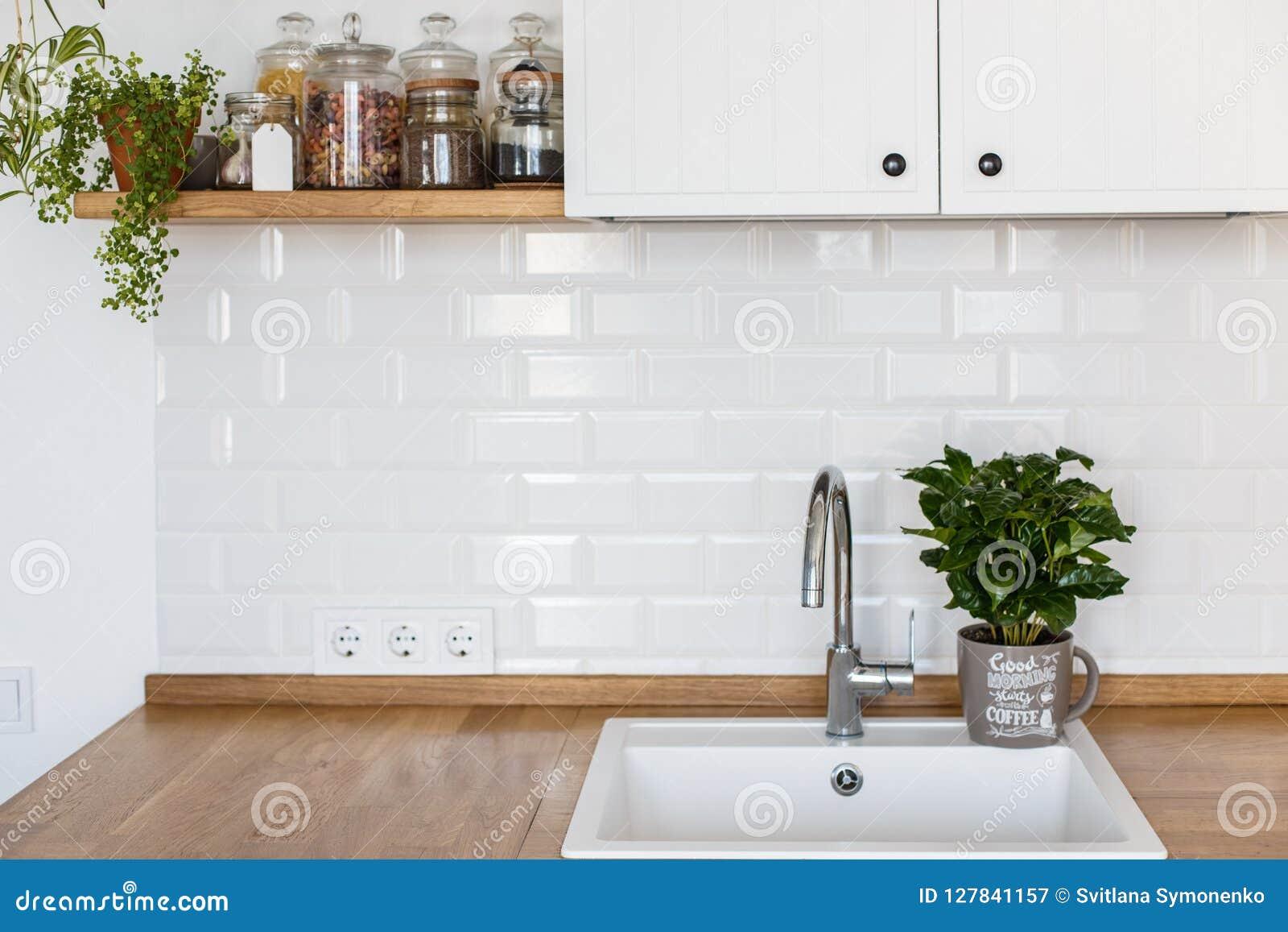 Σύγχρονο άσπρο Σκανδιναβικό ύφος κουζινών