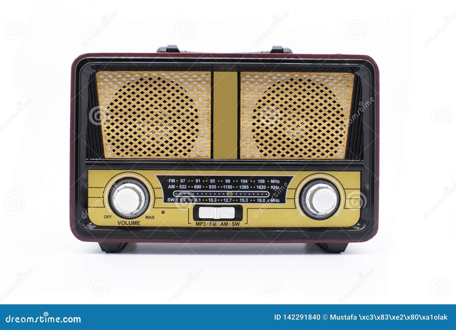 Σύγχρονο αναδρομικό ραδιόφωνο που απομονώνεται στο άσπρο υπόβαθρο