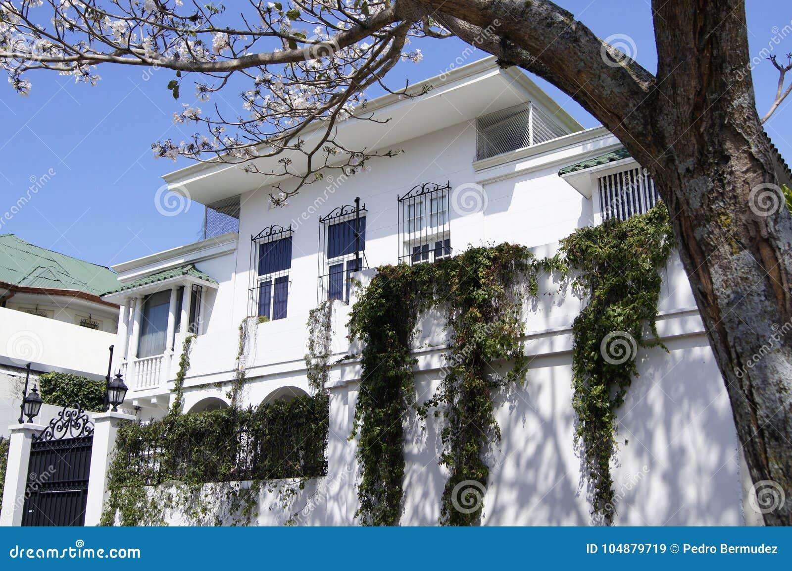 Σύγχρονο σπίτι Tropital αρχιτεκτονικής