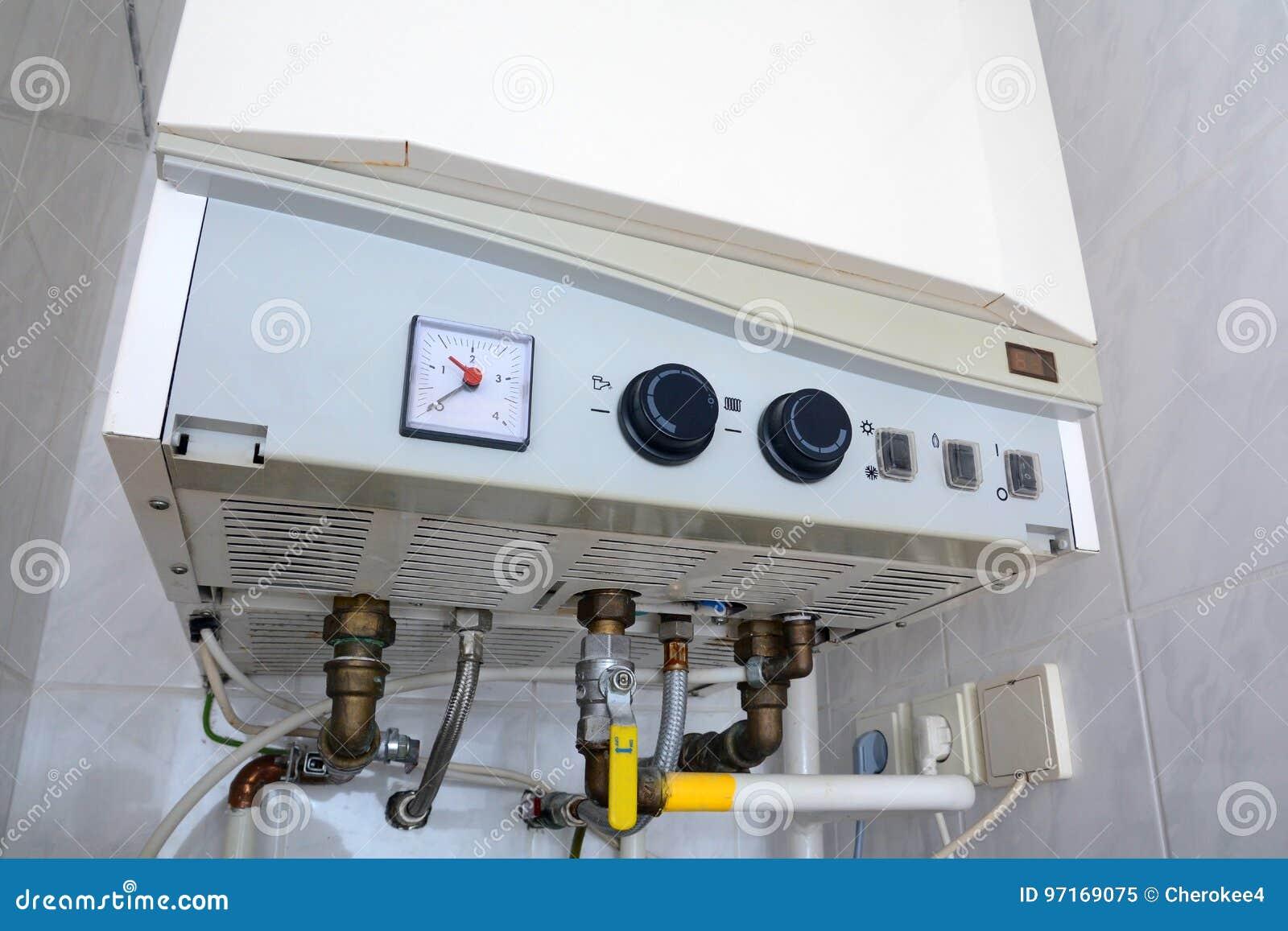 Σύνδεση του εγχώριου θερμοσίφωνα Μεμονωμένη θέρμανση Μεμονωμένος ανεφοδιασμός ζεστού νερού