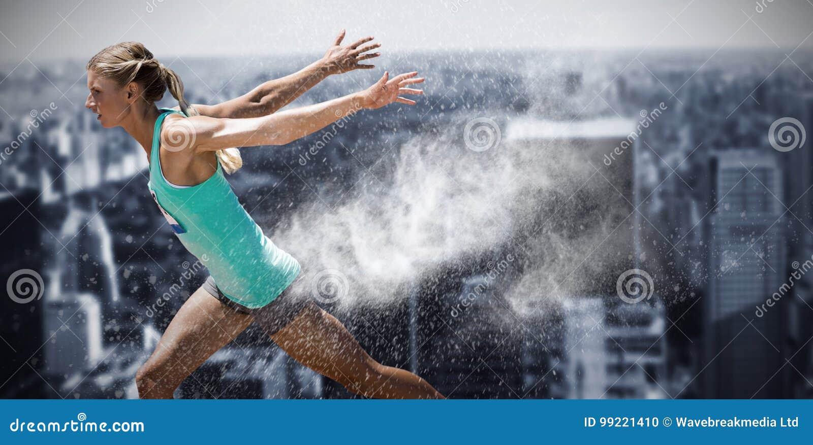 Σύνθετη εικόνα της φιλάθλου που τελειώνει το τρέξιμό της