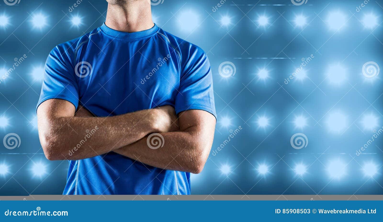 Σύνθετη εικόνα του κορμού ικανότητας ατόμων στο μπλε φωτισμένο κλίμα