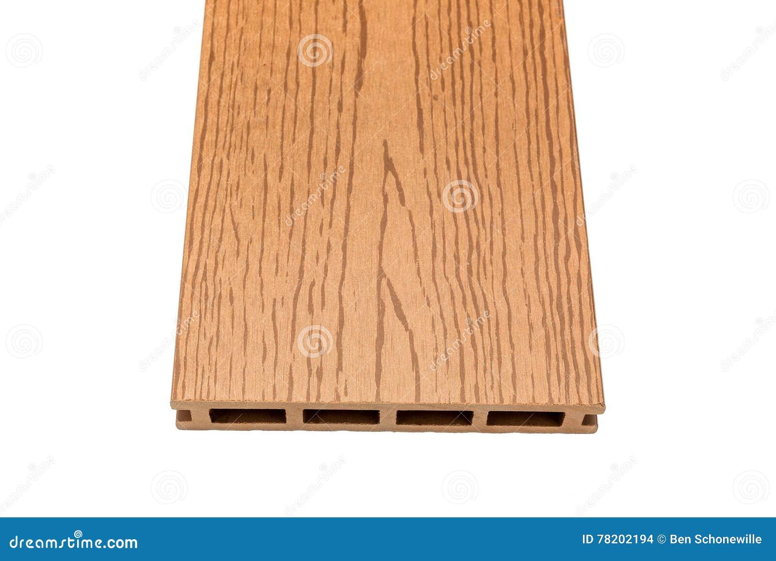Σύνθετος decking πίνακας με τα ξύλινα σιτάρια στο λευκό